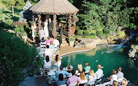 Backyard Wedding Setup Ideas by Tips For Hosting A Wedding At Home