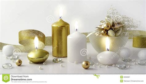 composizione di candele composizione in natale con le candele immagine stock