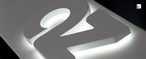 scritte illuminate come creare e installare scritte e lettere luminose a led