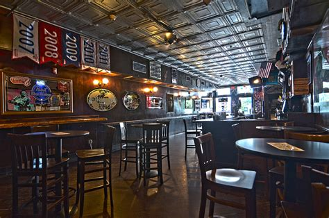 top philly bars drinker s tavern drink philly the best happy hours