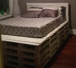 15 Beautiful Wood Pallet Bed Frames 5 Diy Beds Made From Wooden Pallets 99 Pallets