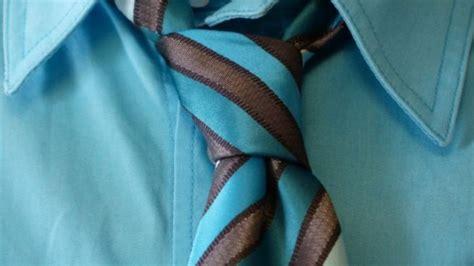 como hacer el nudo para corbata c 243 mo hacer un nudo de corbata de forma f 225 cil paso a paso