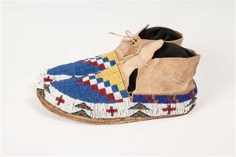 sioux fully beaded s moccasins 10 189 quot