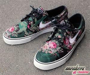 Flower Nike Janoskis - nike sb stefan janoski digi floral restock sneakers madame