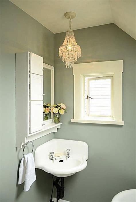 Pedestal Sink Bathroom Design Ideas 7 Great Ideas For Tiny Bathrooms