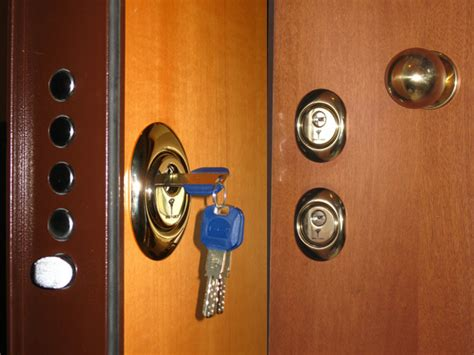 serrature x porte blindate aggiungere serratura a porta blindata fabbro pronto