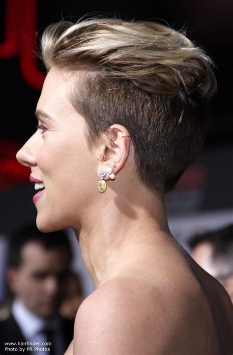 why scarlett johansson cut hair scarlett johansson with very short clipper cut hair pixie