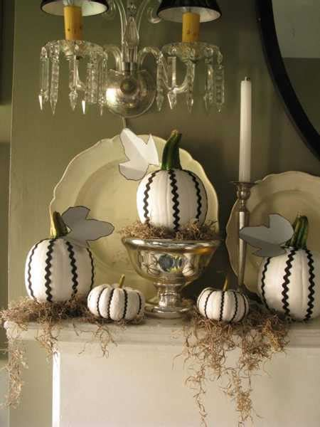 77 diy christmas decorating ideas spray painting sprays quick ideas for dramatic halloween decorating with black color