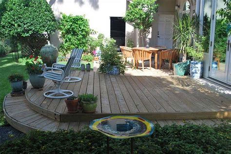 Backyard Balcony Ideas by Small Yard Landscaping Design Corner