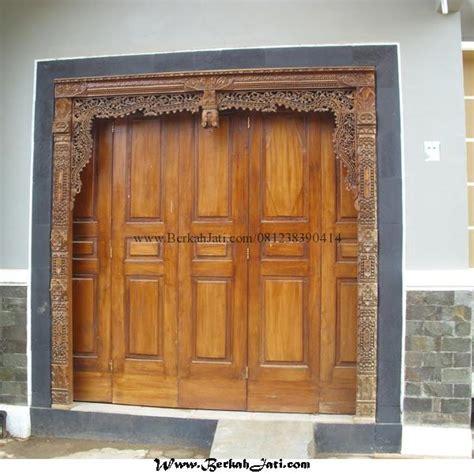 desain rumah minimalis dengan pintu gebyok
