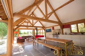 luxury bespoke oak roofs oak trusses and oak roof rafters