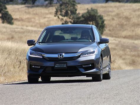 best cars for short women 10 things you need to know about the 2017 honda accord