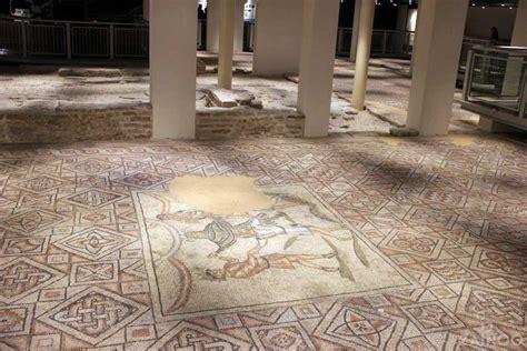 tappeti di pietra domus dei tappeti di pietra unterirdische 220 berraschung