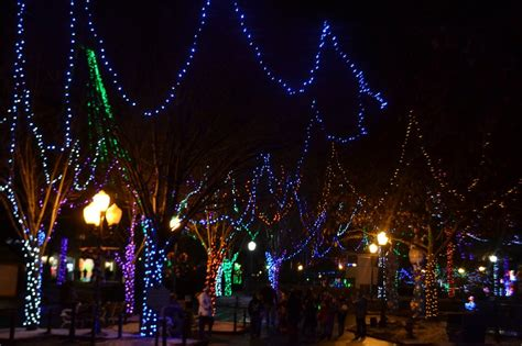 holiday lights at lake compounce in bristol ct ct mommy