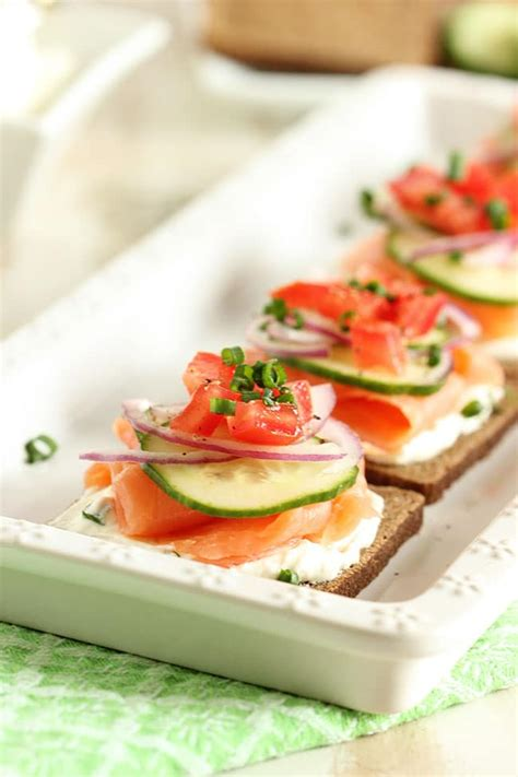 smoked salmon canapes with chive cheese