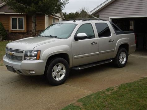 automobile air conditioning service 2007 chevrolet avalanche navigation system buy used 2008 chevy avalanche ltz z71 repaired salvage title dvd navigation 4x4 leather in grand