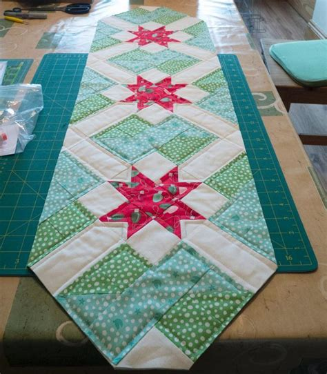 free pattern quilted table runner free quilt pattern star crossing table runner i sew free