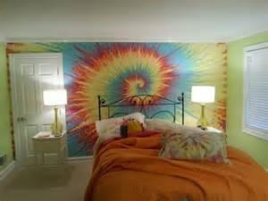 tie dye bedroom tie dye wall cool paint walls stuff pinterest kid