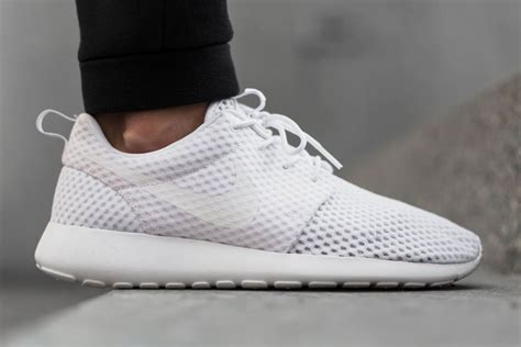 nike roshe run breeze  white freshness mag