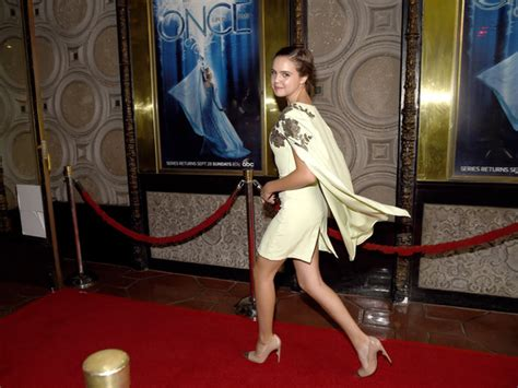 bailee madison on once upon a time once upon a time 4 foto dal red carpet