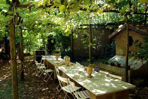 italian backyards pergola veranda pinterest