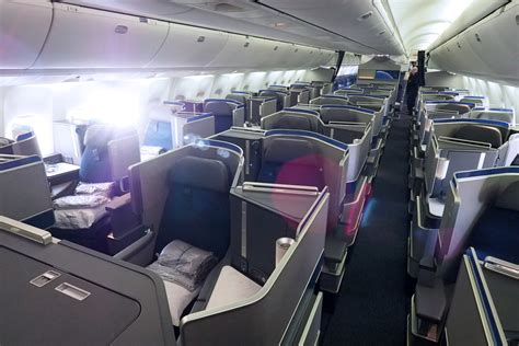 united airlines comfort class flight review united 767 300er polaris business class