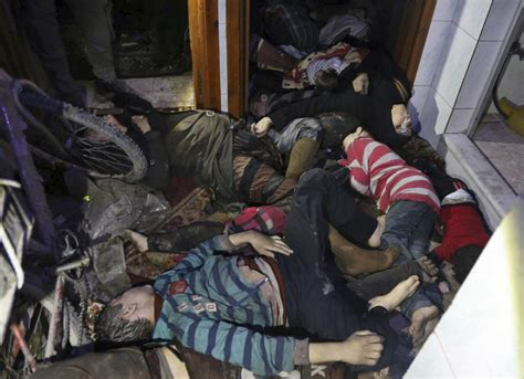 imagenes fuertes siria ataque qu 237 mico en siria deja m 225 s de 80 muertos trump