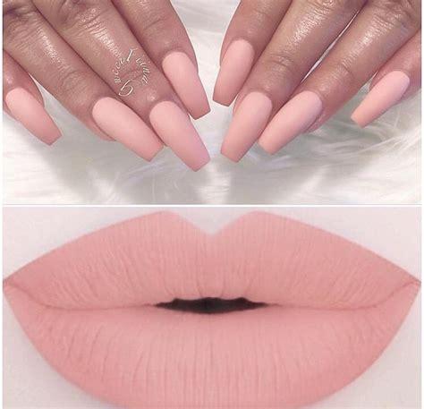 Lip Nail