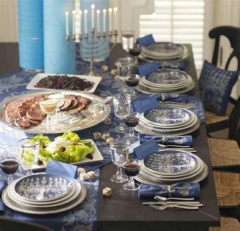 beautiful table 12 beautiful table settings for hanukkah digsdigs