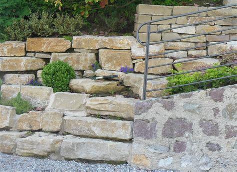 muri a secco per giardini pezzi speciali e personalizzati in pietra di credaro