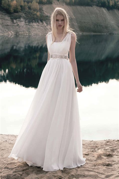Tips on Choosing Maternity Wedding Dresses   The Best