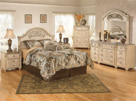 Light Wood Bedroom Furniture Seven Common Myths About Light Wood Bedroom Sets Light