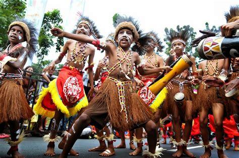 Eksiklopedi Suku Bangsa Di Indonesia memaknai hari toleransi sedunia buat para generasi muda