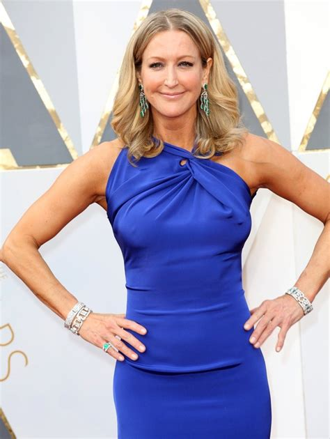 lara spencer lara spencer picture 40 88th annual academy awards red