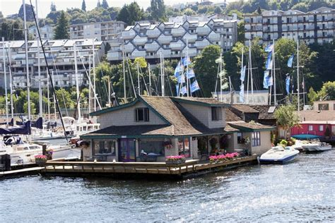 sleepless in seattle houseboat 8 homes made famous in movies