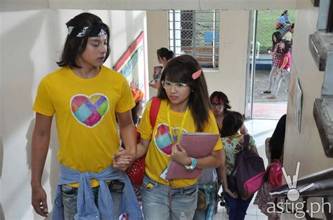 kathryn bernardo shes dating with the ganster she s dating the gangster earns 15m on first day astig ph