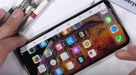 iphone xs max na torturach u zacka z jerryrigeverything konstrukcja jest mocna gt tablety pl