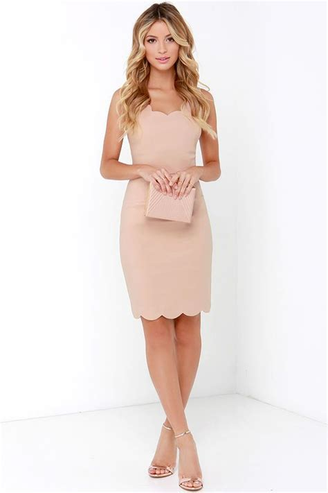 beige color dress another beige dress want now not