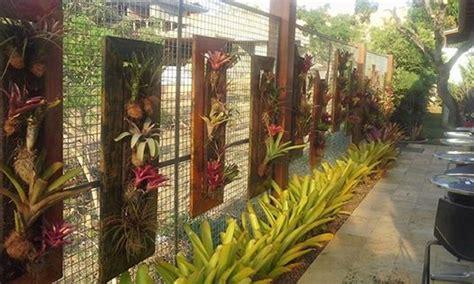 garden fence decor  pallet planters pallet ideas