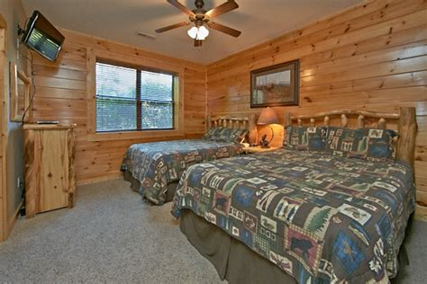 10 bedroom cabin gatlinburg pigeon forge cabin gatlinburg overlook 3 bedroom