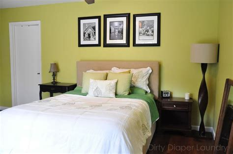 serene bedroom in independent gold by sherwin williams