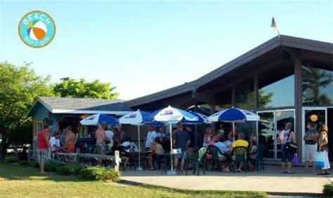 Restaurants Near Cadillac Mi by Seasonal Bar Grill Picture Of Cadillac Michigan