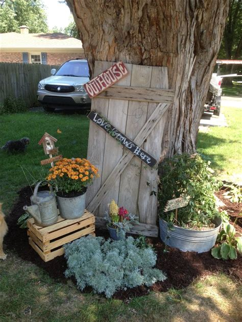Primitive Garden Decor 148 Best Images About Primitive Flower Garden Outside On Pinterest Gardens Bee Skep And