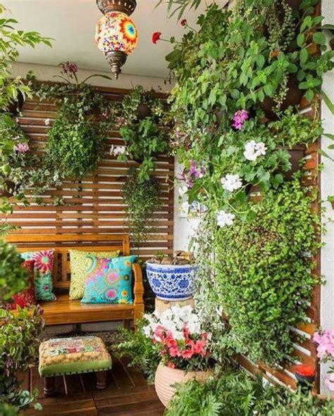 decorar patio con bancos 1001 ideas para decorar el balc 243 n con lindas fotos de