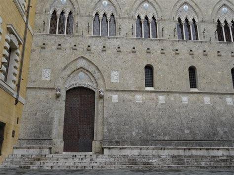 sede monte dei paschi di siena palazzo salimbeni sede della monte dei paschi di