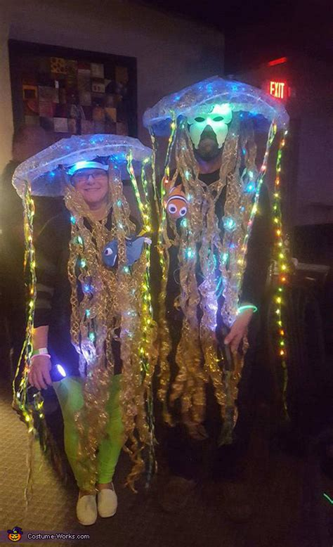 diy glow   dark jellyfish costumes