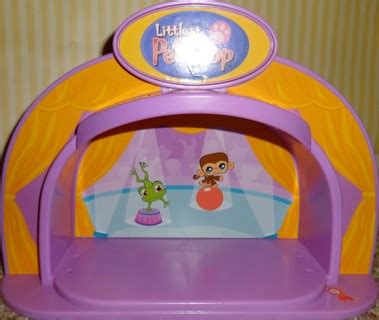 Littlest Pet Shop Pet Stage With Light free littlest pet shop pink circus light up stage other