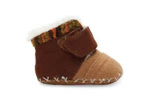 chocolate suede felt tiny toms cuna crib shoes toms 174