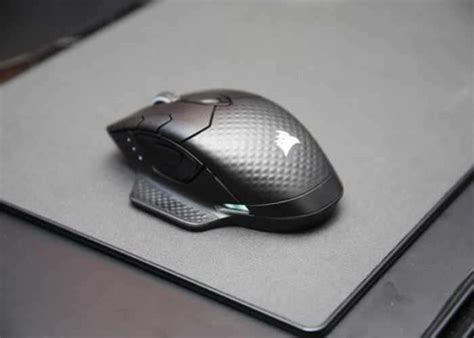 Mousepad Zeus corsair concept zeus wireless mouse charges from the mouse