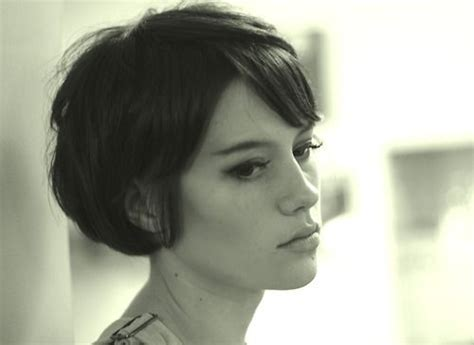 grow out hair from a bob this is really cute for the quot growing out a pixie